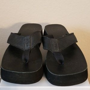 2 FOR $49 Reef Sandles Womens 7
